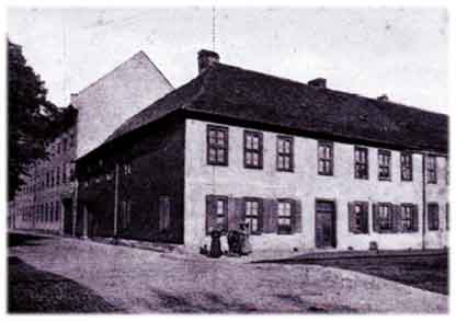 Das Seminargebäude in der heutigen Schleusinger Straße um 1900