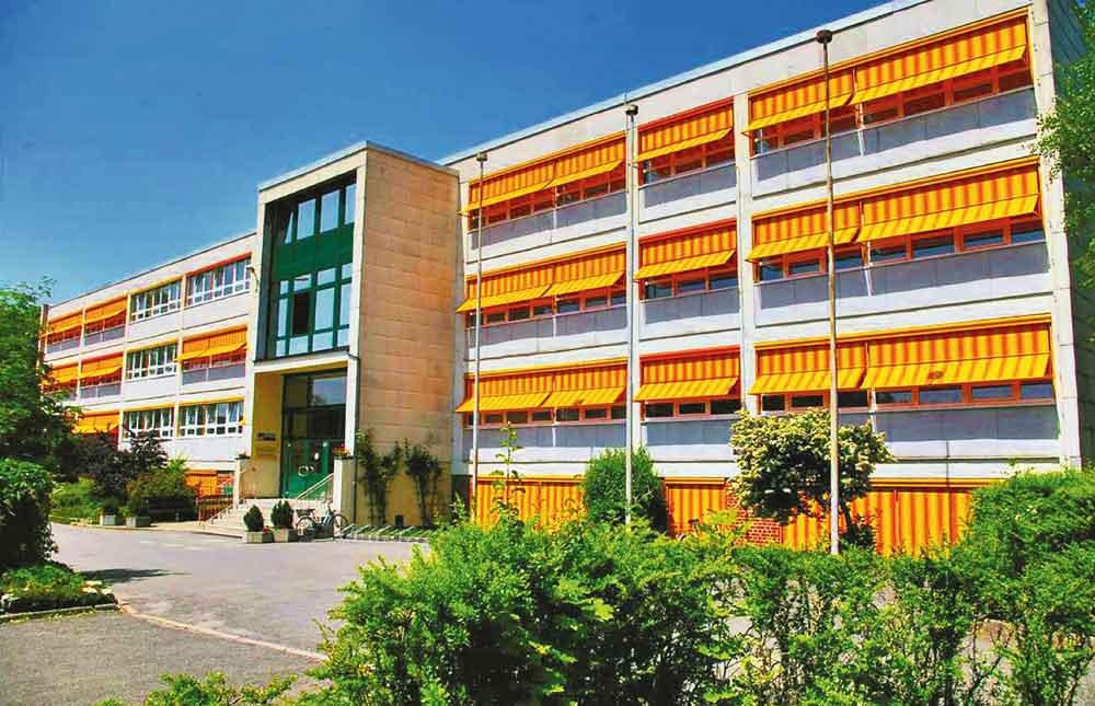 Mit dem Jahre 1989 vollzog sich auch in unserer Schule eine Wende.